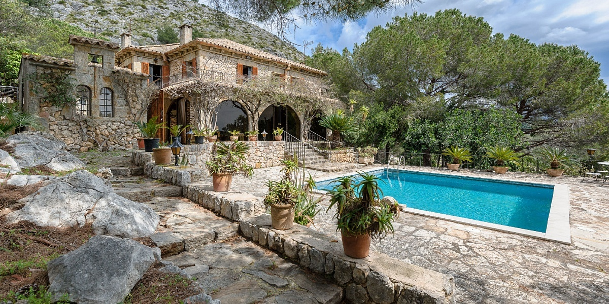 6 bedroom Finca for sale in Puerto Pollensa, Mallorca