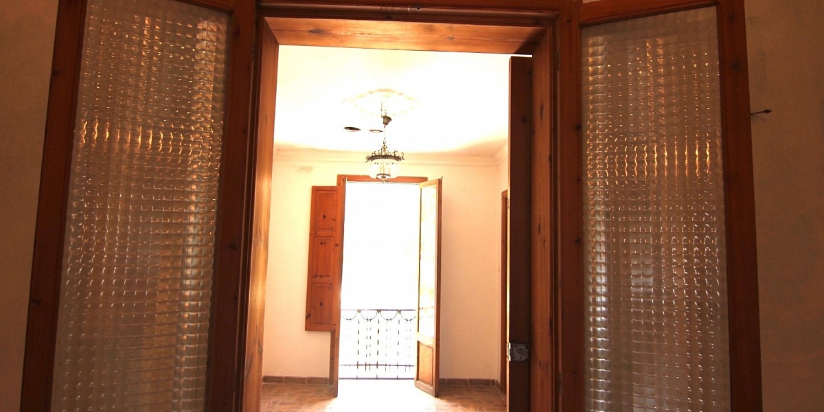 6 bedroom Townhouse for sale in Santa Maria del Cami, Mallorca