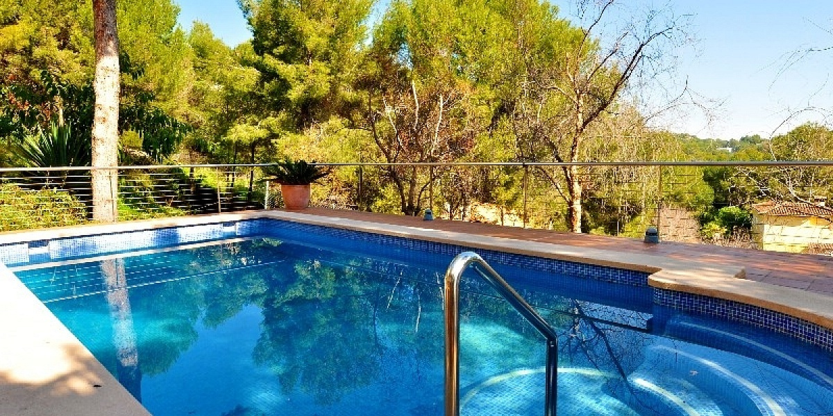 6 bedroom Villa for sale in Puerto Portals, Mallorca