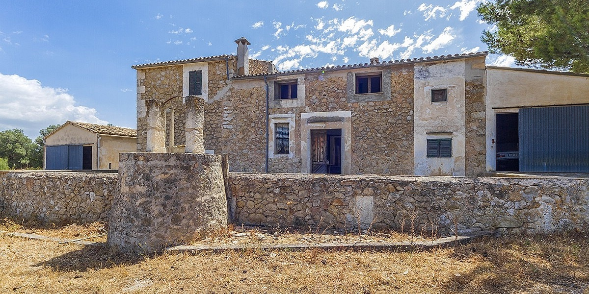 6 bedroom Villa for sale in Selva, Mallorca