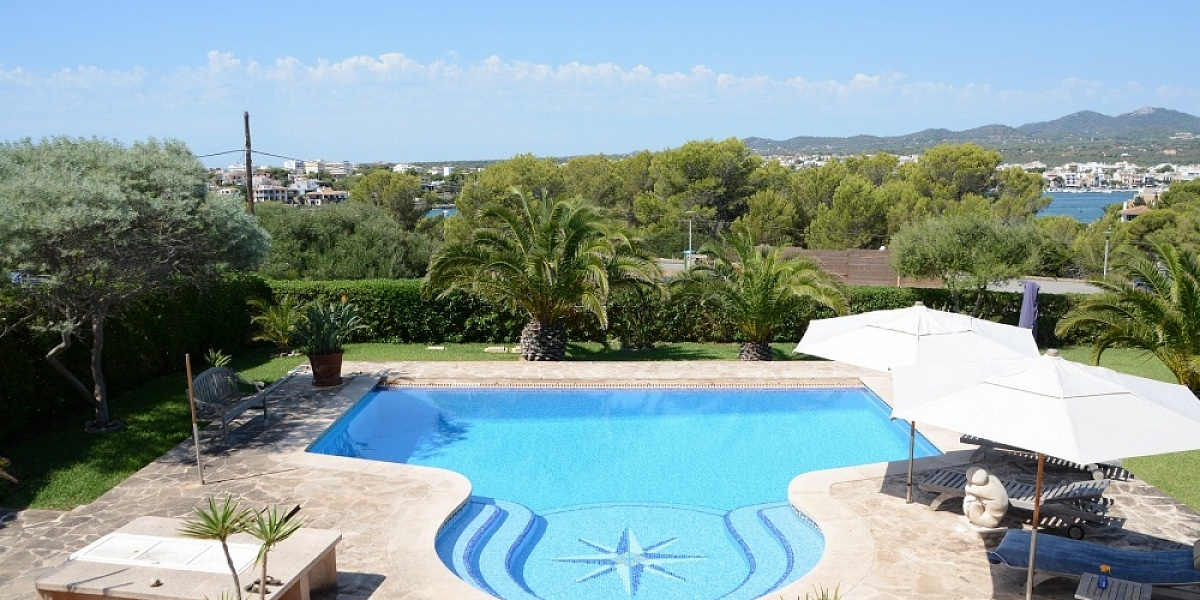 8 bedroom Villa for sale in Porto Colom, Mallorca