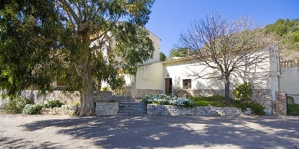 10 bedroom Finca for sale in Alaro, Mallorca