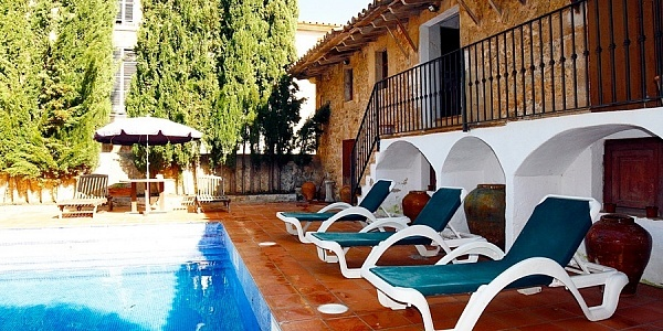 10 bedroom Villa for sale in Alaro, Mallorca