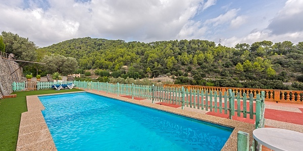 11 bedroom Hotel for sale in Alaro, Mallorca