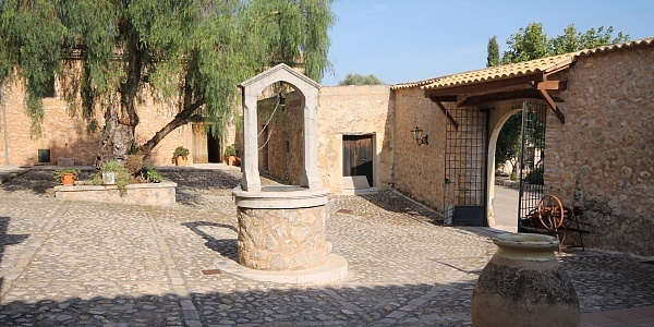 13 bedroom Townhouse for sale in Alaro, Mallorca