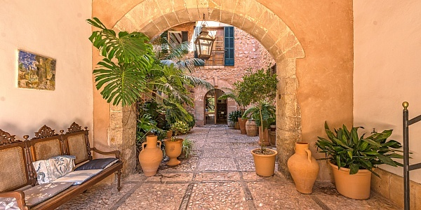 18 bedroom Hotel for sale in Soller, Mallorca