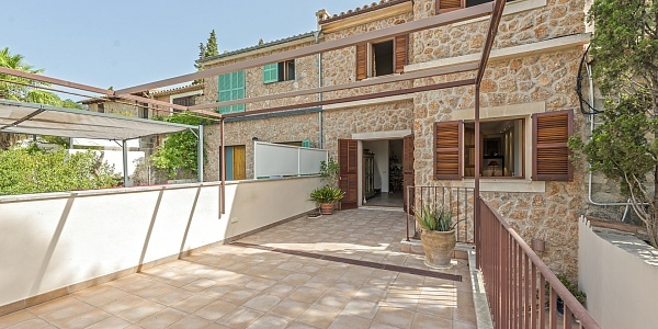 2 bedroom Townhouse for sale in Alaro, Mallorca