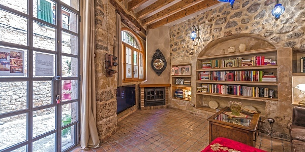 2 bedroom Townhouse for sale in Valldemossa, Mallorca