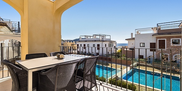 2 bedroom Villa for sale in Camp de Mar, Mallorca