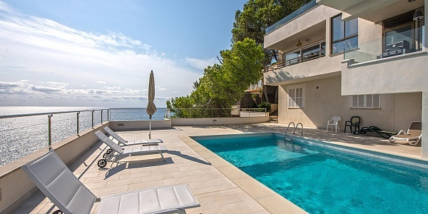 3 bedroom Apartment for sale in Cala Vinyas, Mallorca