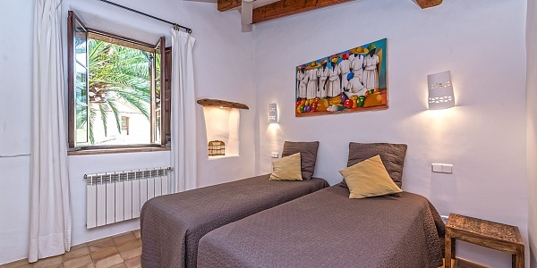 3 bedroom Townhouse for sale in Puigpunyent, Mallorca