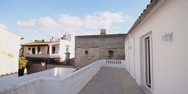 3 bedroom Townhouse for sale in Santa Maria del Cami, Mallorca
