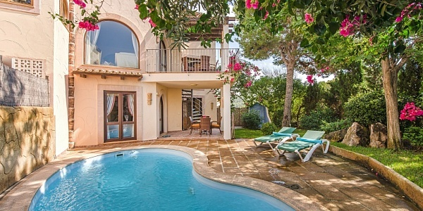 3 bedroom Villa for sale in Camp de Mar, Mallorca