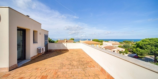 3 bedroom Villa for sale in Colonia de Sant Pere, Mallorca