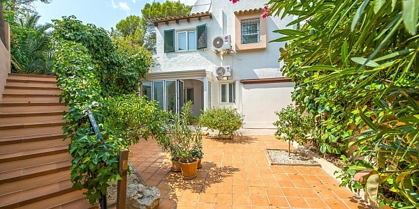 4 bedroom Villa for sale in Bendinat, Mallorca
