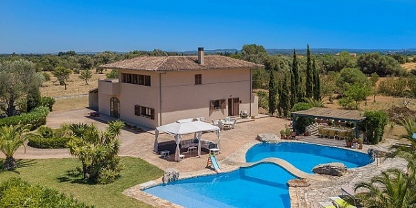 4 bedroom Villa for sale in Binissalem, Mallorca