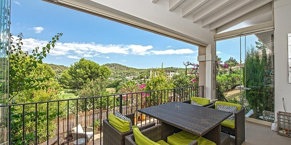 4 bedroom Villa for sale in Camp de Mar, Mallorca