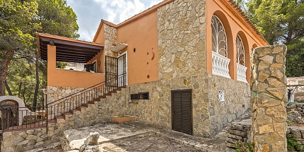 4 bedroom Villa for sale in Costa de la Calma, Mallorca