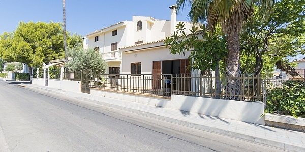 4 bedroom Villa for sale in Puerto de Alcudia, Mallorca
