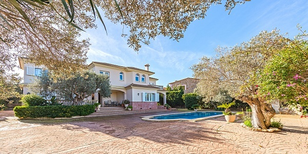 4 bedroom Villa for sale in Sa Torre, Mallorca