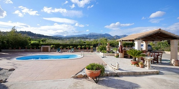 4 bedroom Villa for sale in Selva, Mallorca