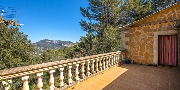 5 bedroom Finca for sale in Puigpunyent, Mallorca