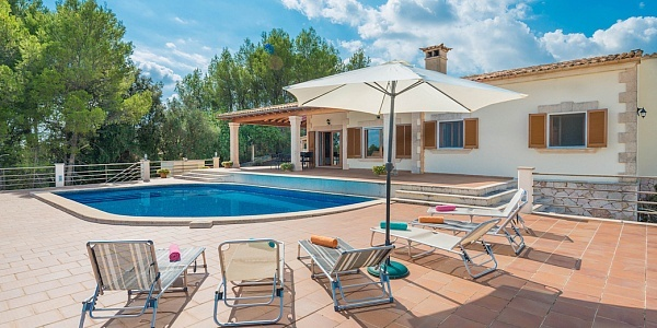5 bedroom Finca for sale in Selva, Mallorca