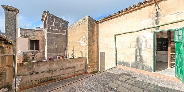 5 bedroom Townhouse for sale in Porreres, Mallorca