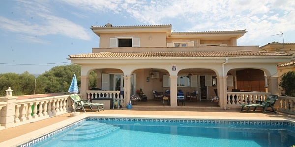 5 bedroom Townhouse for sale in Sa Cabaneta, Mallorca