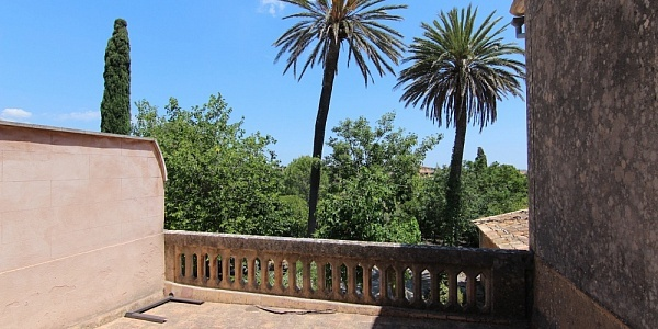 5 bedroom Townhouse for sale in Santa Maria del Cami, Mallorca
