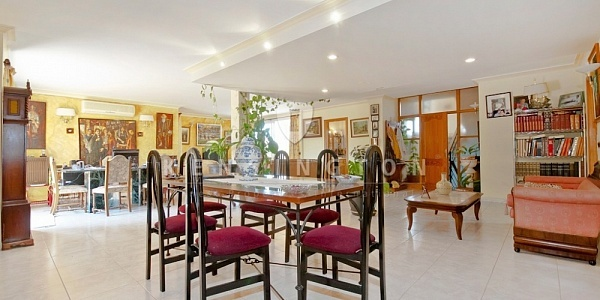5 bedroom Villa for sale in Alcudia, Mallorca