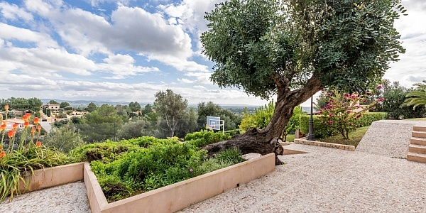 5 bedroom Villa for sale in Bunyola, Mallorca
