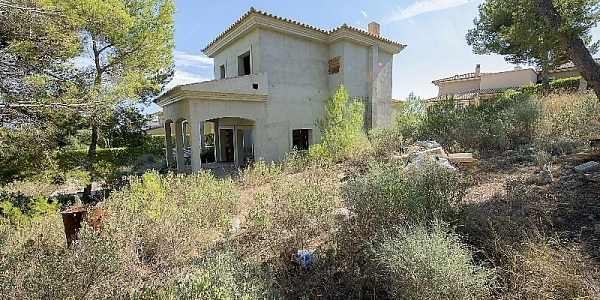 5 bedroom Villa for sale in Cala Vinyas, Mallorca
