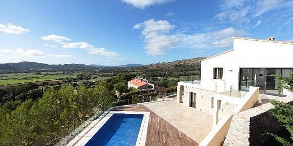 5 bedroom Villa for sale in Canyamel, Mallorca