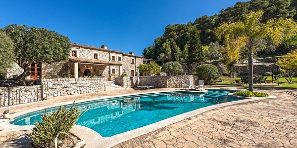 5 bedroom Villa for sale in Es Capdella, Mallorca