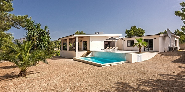 6 bedroom Finca for sale in Calvia, Mallorca