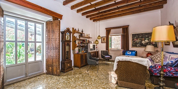 6 bedroom Townhouse for sale in Algaida, Mallorca