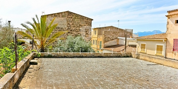 6 bedroom Townhouse for sale in Muro, Mallorca