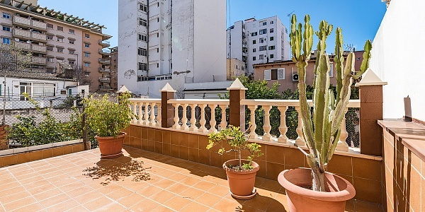 6 bedroom Townhouse for sale in Palma, Mallorca