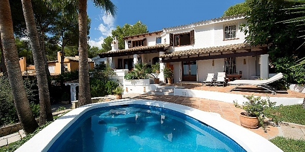 6 bedroom Villa for sale in Bendinat, Mallorca