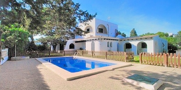 6 bedroom Villa for sale in Cala Dor, Mallorca
