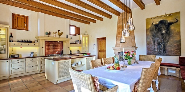 6 bedroom Villa for sale in Camp de Mar, Mallorca