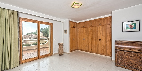6 bedroom Villa for sale in Paguera, Mallorca