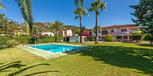 6 bedroom Villa for sale in Palmanyola, Mallorca