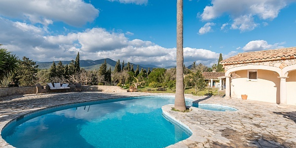 6 bedroom Villa for sale in Santa Maria del Cami, Mallorca