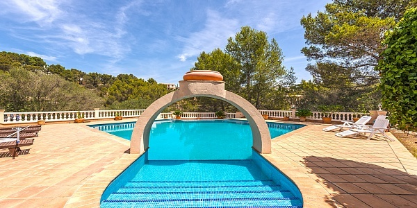 6 bedroom Villa for sale in Son Font, Mallorca