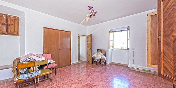 8 bedroom Townhouse for sale in Consell, Mallorca