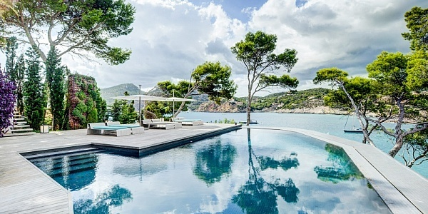 9 bedroom Villa for sale in Camp de Mar, Mallorca