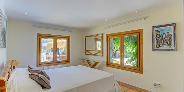 9 bedroom Villa for sale in Paguera, Mallorca