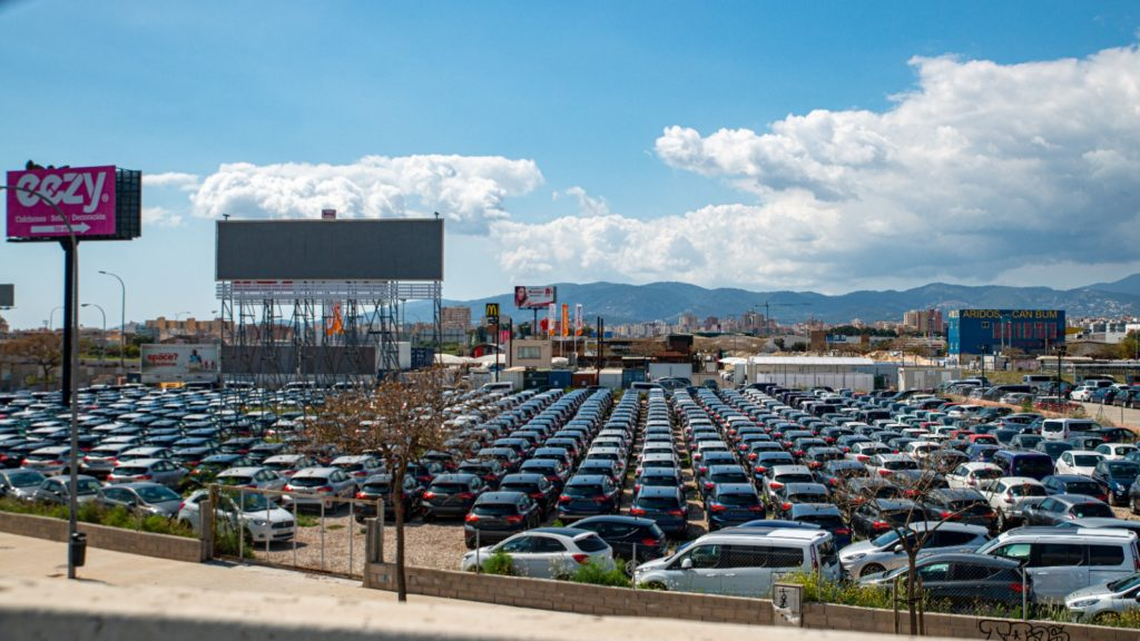 Packed Car rental parking close to the Airport of Palma de Mallorca
